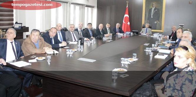 Vali Çınar, Belediye Başkanları ile bir araya geldi
