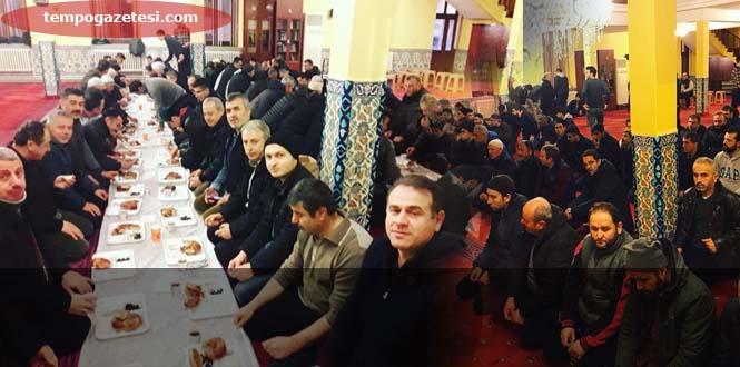 Yeni Cami'de Sabah Namazı ve Kahvaltı...