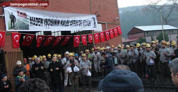 Madenciler, Mehmetçik için Kur'an okutup kurban kesti...