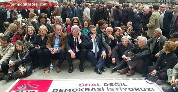 "CHP'de ""OHAL"" eylemi"