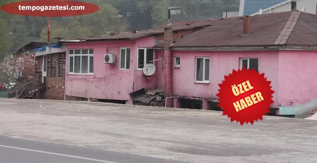 O evler yıkılıyor!...