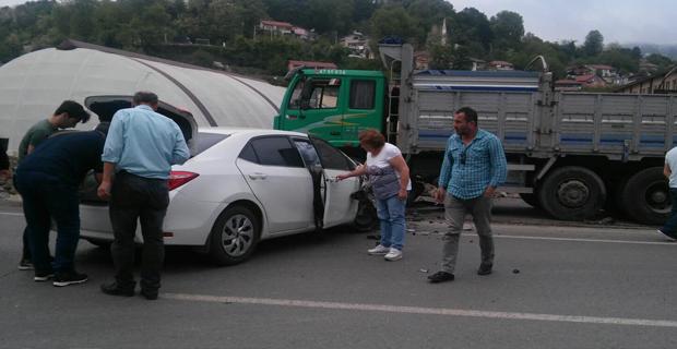 Trafik kazası... 2 yaralı...