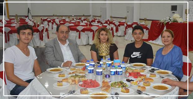 Demirtaş, Belediye ailesine iftar verdi...