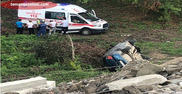 Araç, şarampole yuvarlandı.Sürücü hastaneye kaldırıldı!..