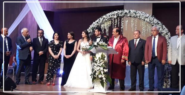 Bu düğün siyasileri buluşturdu...