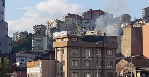 Otel çatısında yangın çıktı...