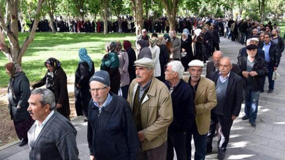 SSK ve Bağ-Kur emeklilerine zamlı maaş