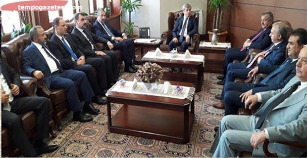30 Ağustos Zafer Bayramı nedeniyle Vali Çınar'ı ziyaret ettiler....
