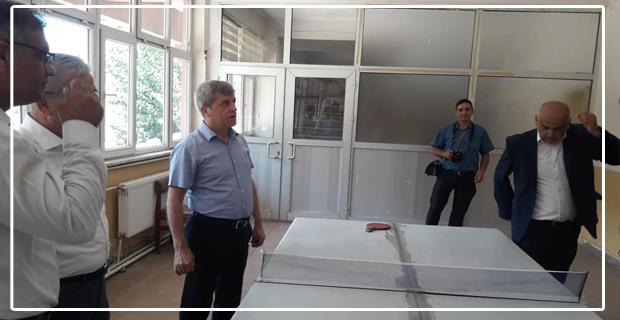 Vali Çınar, Zonguldak'ın en sorunlu mahallesinde...