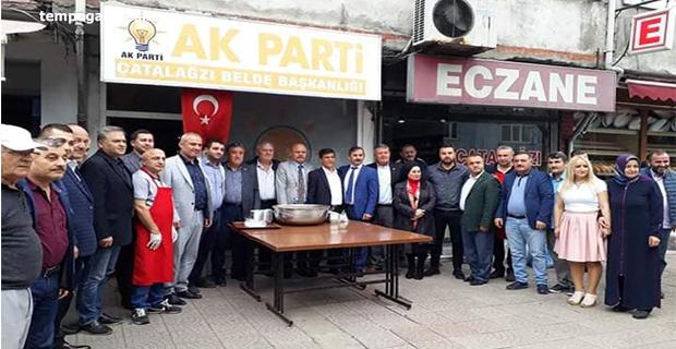AK Parti Çatalağzı Beldesi, Aşure dağıttı!..