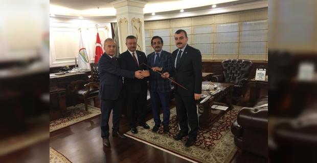 AK Parti Vekilleri, Bakan Yardımcısı Aksu'yu ziyaret ettiler