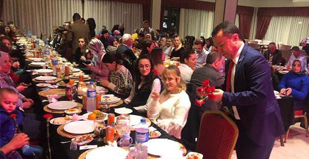 Gebeş'den Öğretmenlere yemekli kutlama...
