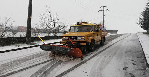 1200 ton tuz ve 16 iş makinesi  ile Karla mücadeleye hazırlar...