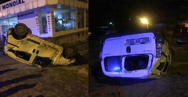 Çaycuma'da yoldan çıkan kamyonet devrildi: 2 yaralı