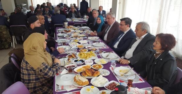 Devrek'te şehit aileleri ve gaziler için kahvaltı düzenlendi