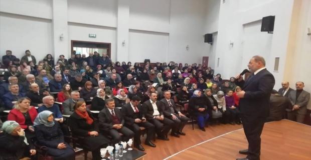 Eski Bakan'dan AK Partililere seminer!..