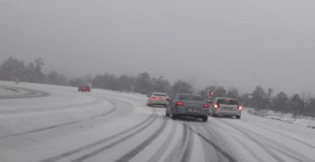 Zonguldak-Ereğli karayolunda kar yağışı