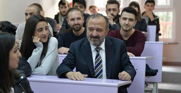 Rektör ve öğrenciler buluştu