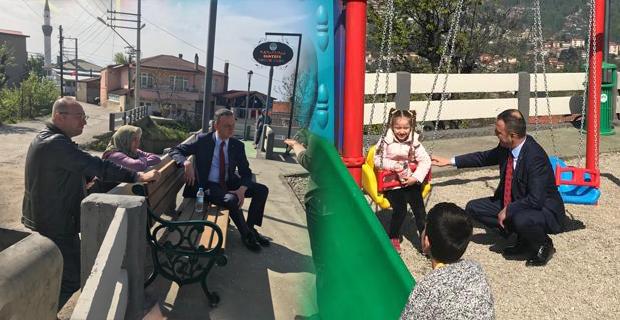 Çocuk parklarını 23 Nisan'a yetiştirdi