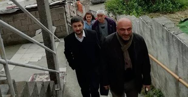 Seçim bitti, AK Partililer mahalleye çıktı