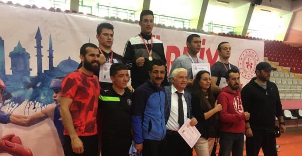 Zonguldaklı boksör Türkiye Şampiyonu oldu
