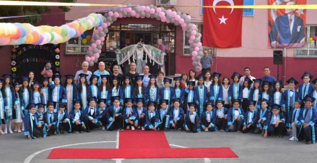 Kapuz İlkokulu'nda mezuniyet coşkusu