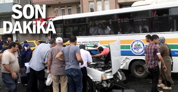 Otomobil halk otobüsüne çarptı: 3 yaralı