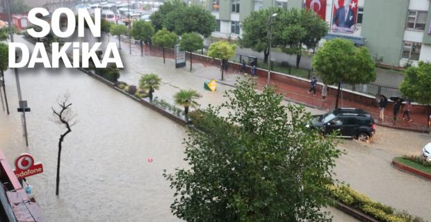 Kuvvetli yağış ZONGULDAK'ı felç etti