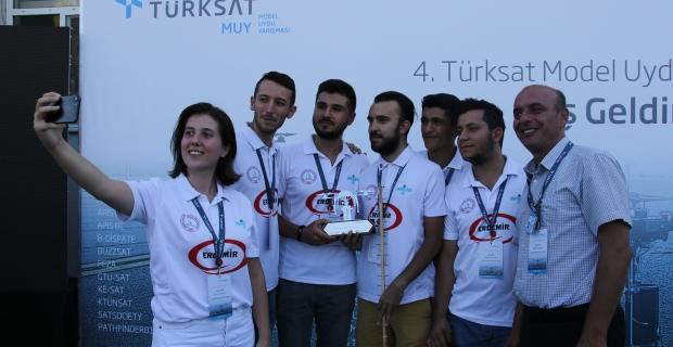 Türksat Model Uydu yarışmasında 1. ZBEÜ oldu....