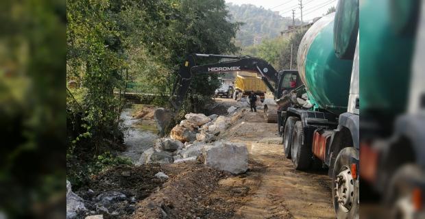 Yol genişletme çalışmaları devam ediyor