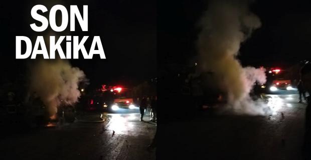 Şoför ile 12 liselinin bulunduğu minibüs alev topuna döndü