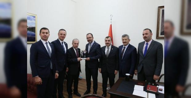 Zonguldaklı AK Partililer Spor Bakanı ile görüştü...