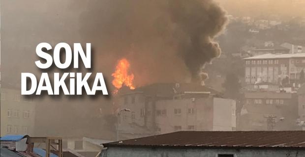 Yangın sürüyor: 3 ev yandı, 1 metruk bina yıkıldı