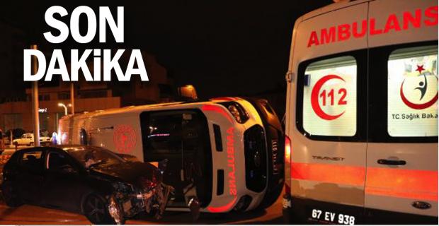 Ambulans ile otomobil çarpıştı: 2 yaralı