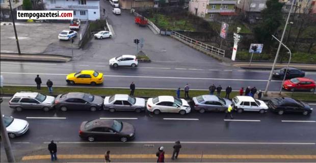Ereğli'de zincirleme kaza: 7 araç birbirine girdi