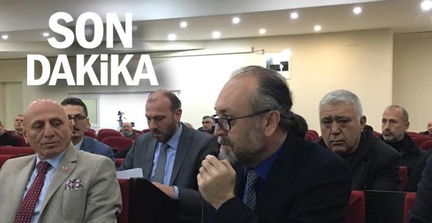 Atınç Kayınova, Başkan Alan'ı eleştirdi