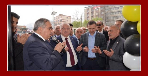 Latifoğlu, yeni yerine taşındı