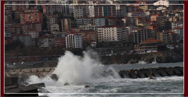 Zonguldak'ta şiddetli yağış ve rüzgar etkili oldu