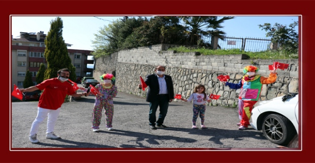 Başkan Demirtaş, sokak sokak gezip çocukları eğlendirdi...