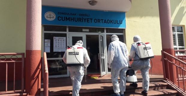 Ereğli, sınav yapılacak okulları dezenfekte ediyor