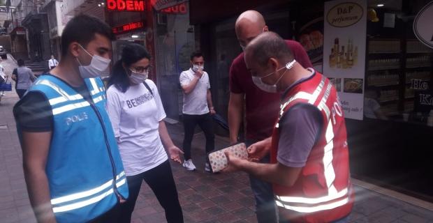 Sağlık merkezinde bulduğu cüzdanı polise teslim etti
