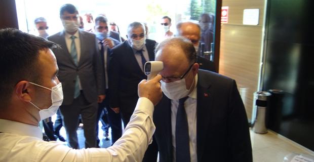 Vali Tutulmaz Zonguldak'ın Covid-19'da son durumunu değerlendirdi