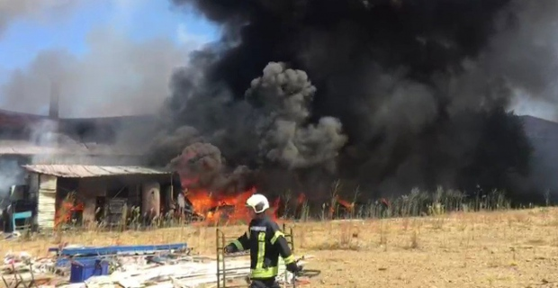 Son Dakika: Fabrikada yangın