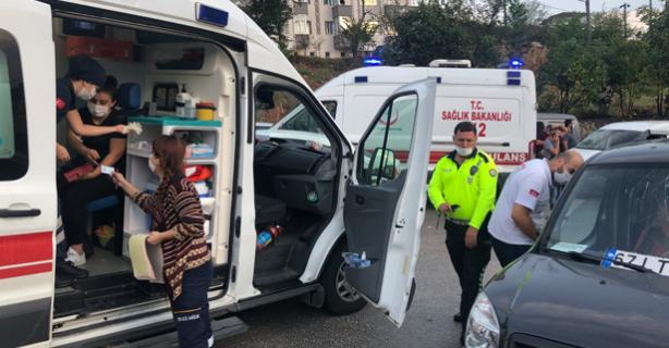Alaplı'da kaza; 3 kişi yaralandı