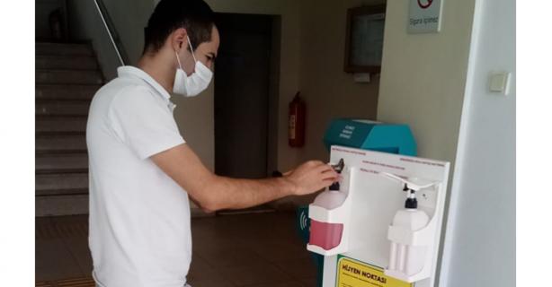 Devrekli öğrenciler dezenfektan üretti