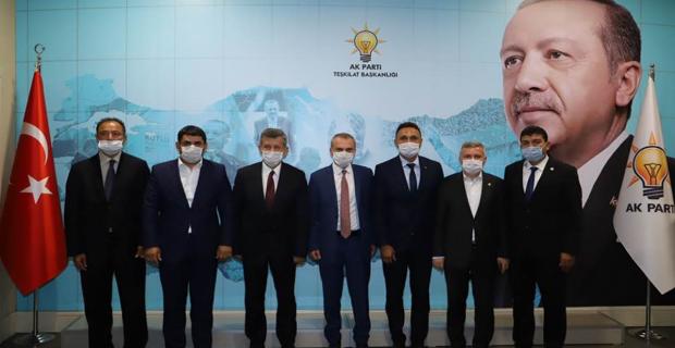 Herkes ters köşe oldu: AK Parti'de yeni dönem