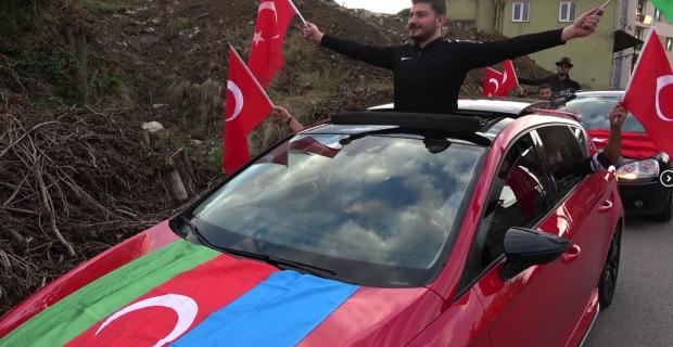 Azerbaycanlı öğrencilerden konvoylu destek