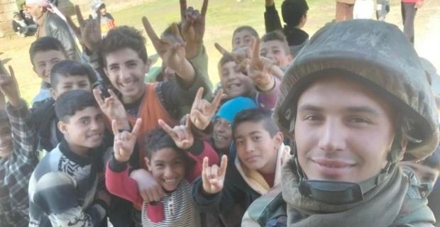 Zonguldaklı asker, Suriyeli çocuklar için çağrı yaptı