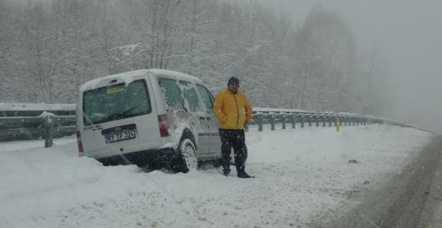Araçlar yollarda kaldı!
