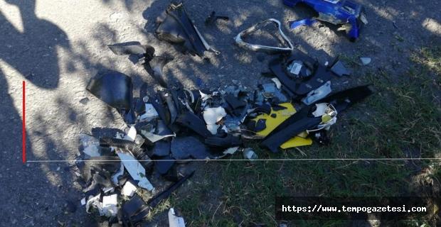 Motosiklet paramparça oldu: Ağır yaralı